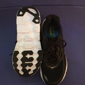 Hoka Clifton Black 8.5